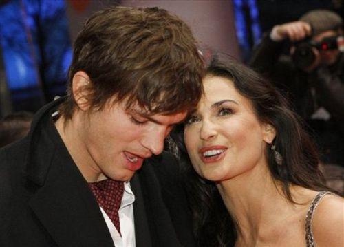 На светских мероприятиях Эштон Катчер появляется исключительно с красавицей Деми Мур