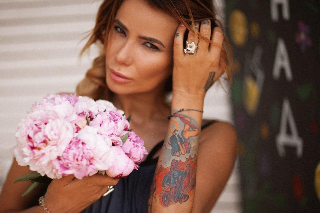 Айза долматова татуировки фото
