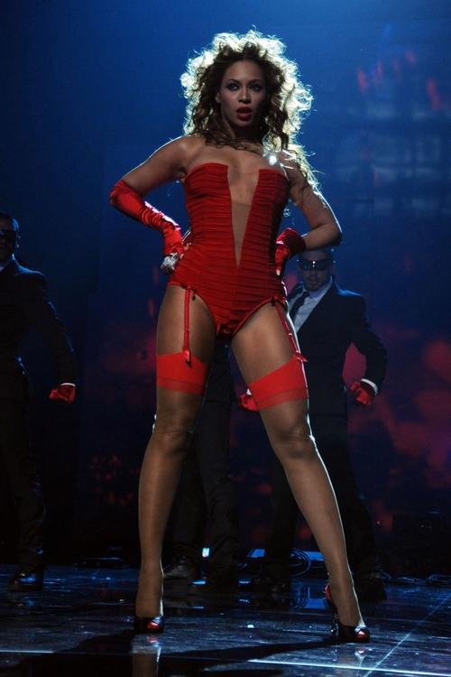 Бейонсе сверкала на сцене MTV Europe Music Awards 2009