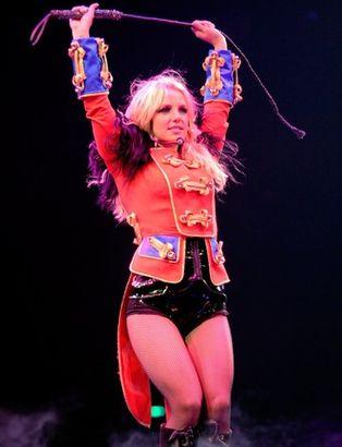 Бритни спирс устроила на концерте