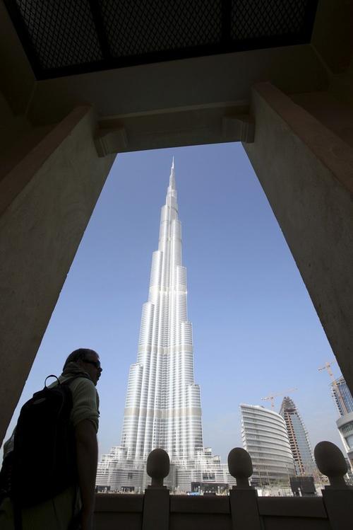 """Самое высокое здание в мире """"Бурж Дубай"""" (Burj Dubai Tower) официально открыли в начале 2010 года"""
