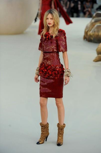 Показ коллекции дизайнера Карла Лагерфельда от Дома моды Chanel сезона осень-зима 2010-2011 в рамках Недели высокой моды в Париже