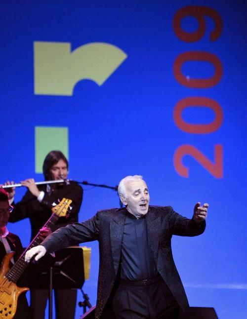 Шарль Азнавур на открытии года Франции в Бразилии в декабре 2008 года