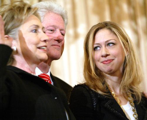 Челси Клинтон со своими родителями