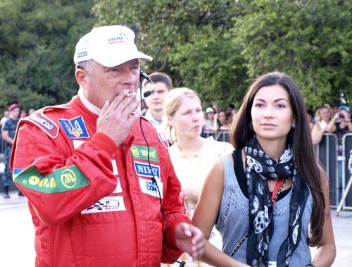 Евгений Червоненко с дочерью Александрой встречают VIP-гостей