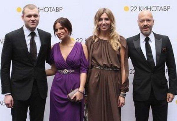 Чета Бондарчук с сыном Сергеем и Татианой Мамиашвили