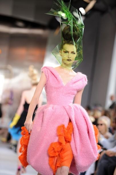 Коллекция Christian Dior haute couture осень-зима 2010-11 от Джона Гальяно на неделе моды в Париже