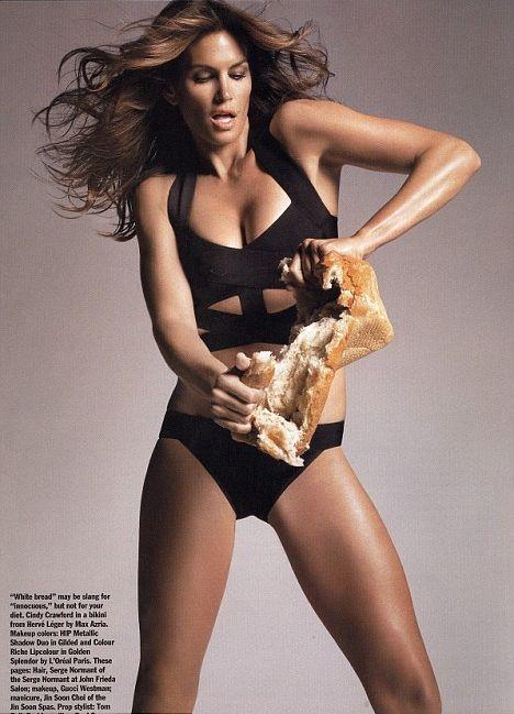 Синди Кроуфорд никогда не отступает от этой диеты, белый хлеб она держит в руках разве что на фотосессии