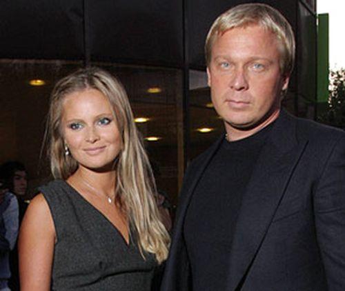 Дана Борисова со своим кавалером