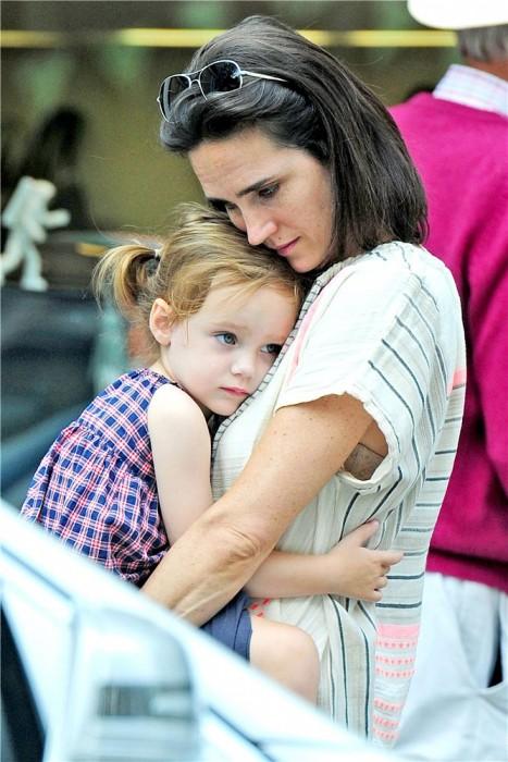 Дженнифер Коннелли с дочерью