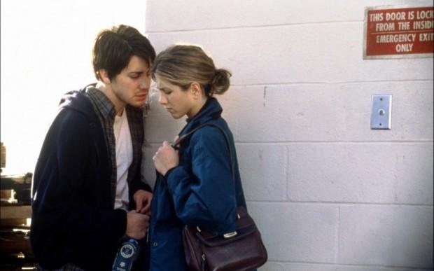 Кадр из фильма Хорошая девочка с Дженнифер Энистон и Джейком Джилленхолом