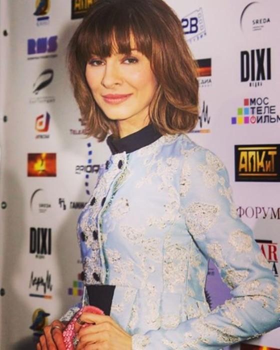 Елена Подкаминская с новой причёской