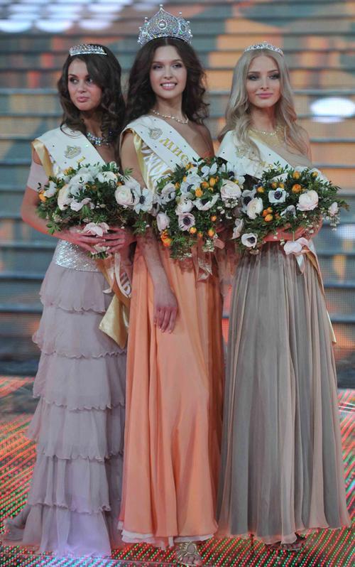 """""""Мисс Россия-2012"""" Елизавета Голованова и две вице-мисс"""