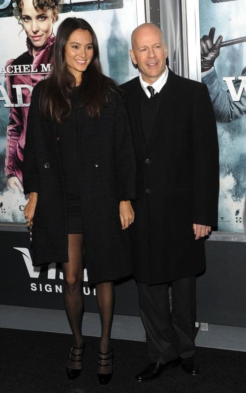 Брюс Уиллис с молодой женой Эммой Хеминг