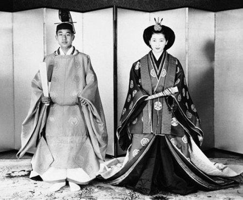 Так выглядели Акихито и Митико 10 апреля 1959 года