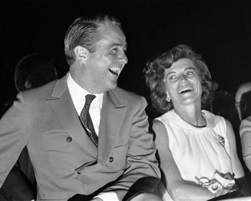 Юнис Кеннеди Шрайвер с мужем, 24 апреля 1968 года