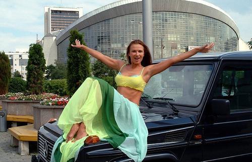 Актриса с любимой машиной