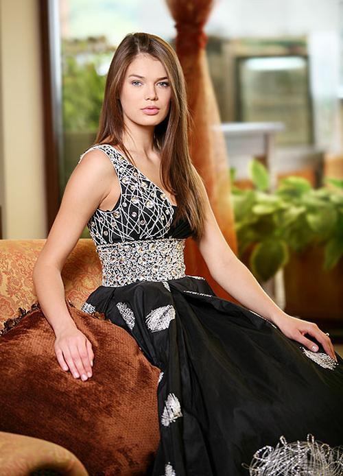 Победительница Национального конкурса «Мисс Украина-2009» 20-летняя Евгения Тульчевская из Днепропетровска