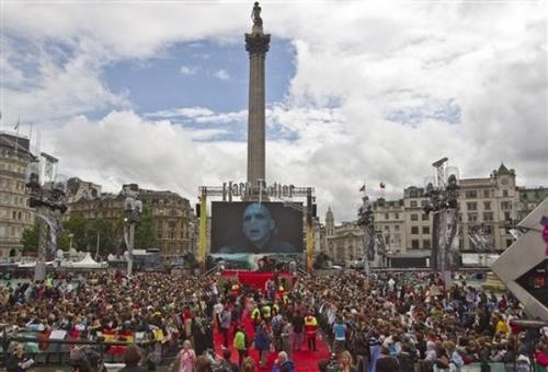 """Фанаты """"Гарри Поттера"""" оккупировали центр Лондона"""