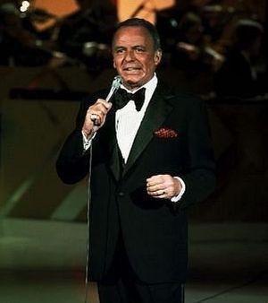 Фрэнк Синатра славился романтическим стилем исполнения песен и «медовым» голосом