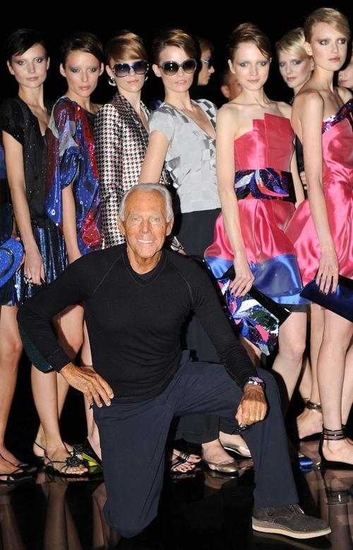 Джорджио Армани со своими моделями