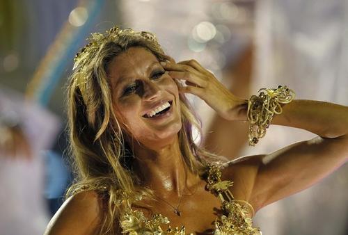 Жизель Бюндхен на карнавале в Рио-де-Жанейро, Бразилия