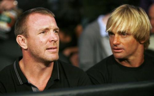 Гай Ричи и однин из лучших серферов мира Лард Хамильтон