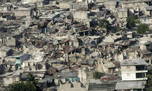 Столица Гаити Порт-О-Пренс после землетрясения превратилась в руины