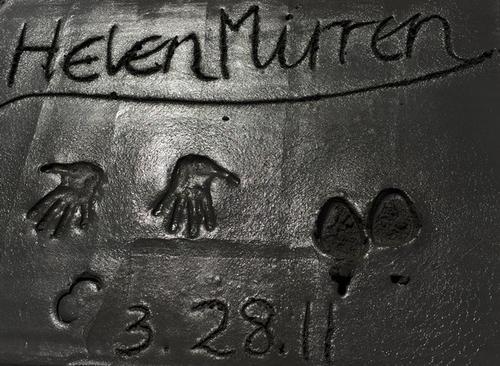 Отпечатки Хелен Миррен / Helen Mirren на Аллее Славы в Голливуде