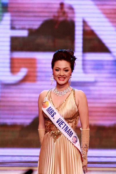 Вьетнамская красавица Hoang Thi Yen ааняла второе место