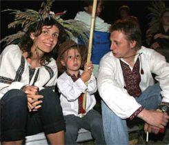 Игорь Пелых с женой Сашей Лозинской и сыном