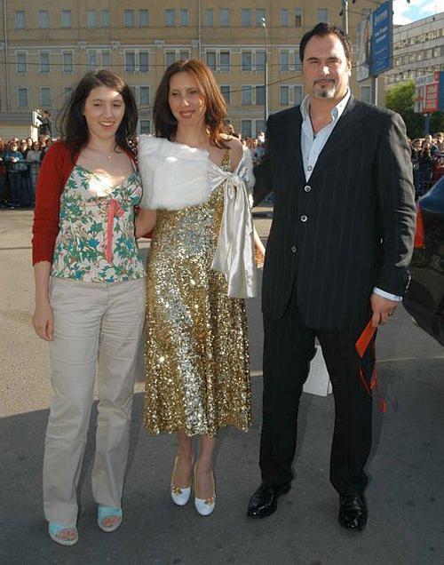 Валерий Меладзе с супругой и старшей дочерью
