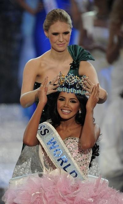 «Мисс Мира-2011» Ивиан Лунасоль Саркос Кольменарес из Венесуэлы