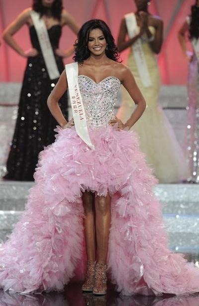«Мисс Мира-2011» Ивиан Лунасоль Саркос Кольменарес / Ivian Lunasol Sarcos Colmenares из Венесуэлы