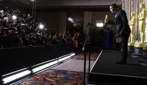 Жан Дюжарден удостоен «Оскара» за лучшую мужскую роль натали портман вк