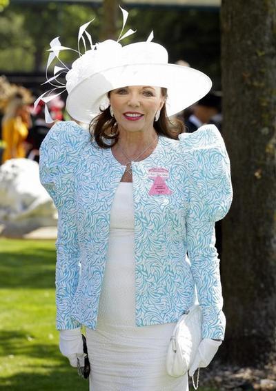 """Звезда сериала """"Династия"""" Джоан Коллинз на конных гонках Royal Ascot"""