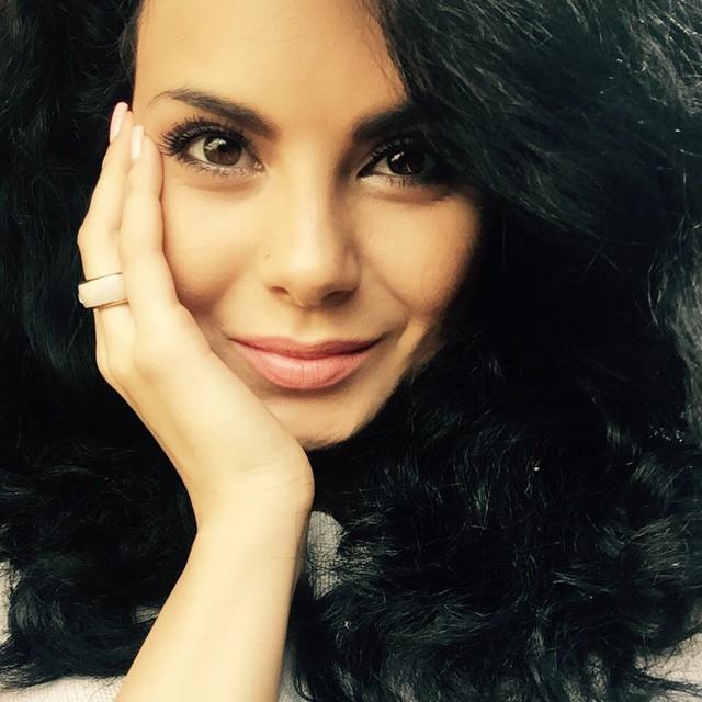 Настя Каменских, певица