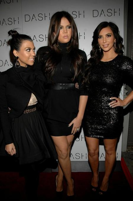 Сестры Кардашьян (слева направо) - Кортни, Клоэ и Ким