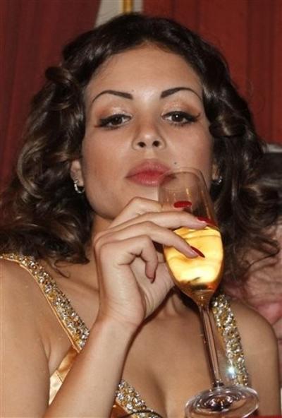 Последнее увлечение Сильвио Берлускони - 18-летняя марокканская танцовщица Ruby (настоящее имя Karima El Mahroug)