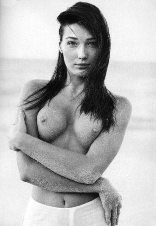 Карла Бруни в расцвет модельной карьеры