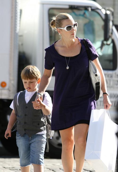 Кейт Уинслет с сыном