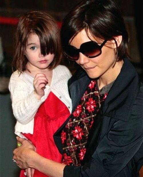 Кэти Холмс родила дочь Сури в апреле 2006 года