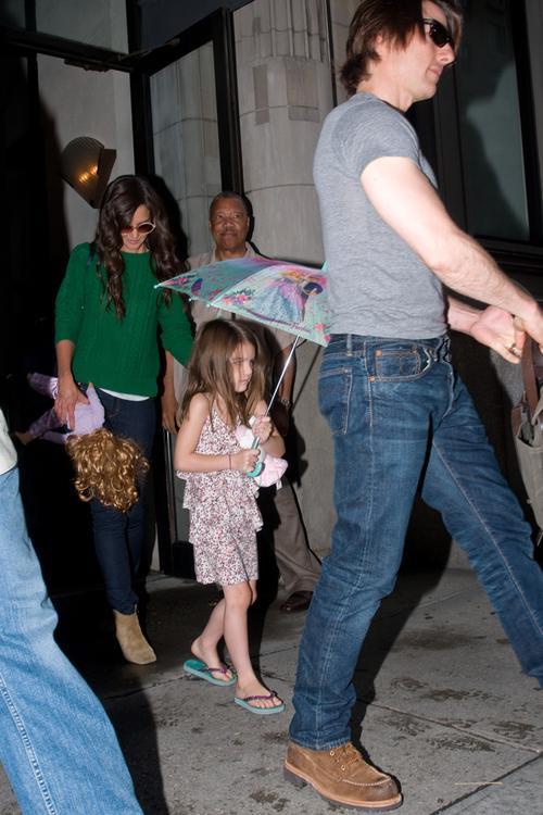 Кэти Холмс и Том Круз с дочерью Сури