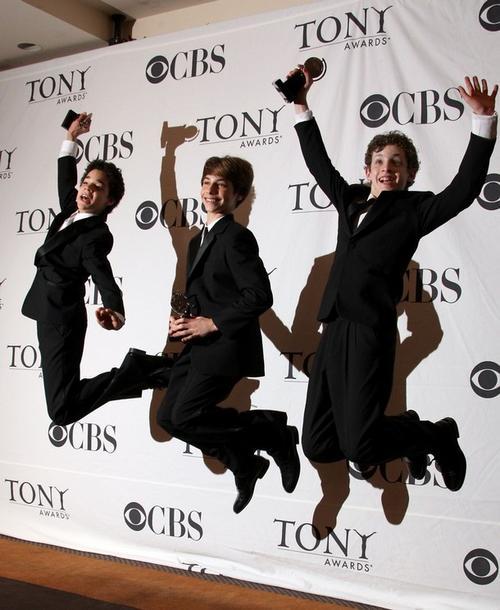 Победу в номинации «Лучший ведущий актер» разделили три молодых исполнителя: Дэвид Альвареси, Кирилл Кулиш и Трент Ковалик