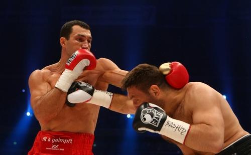Владимир Кличко победил Руслана Чагаева