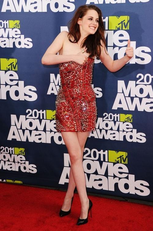 Кристен Стюарт / Kristen Stewart на вручении премий - MTV Movie Awards 2011