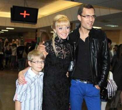 Кристина Орбакайте с новым мужем - бизнесменом Михаилом Земцовым, и сыном