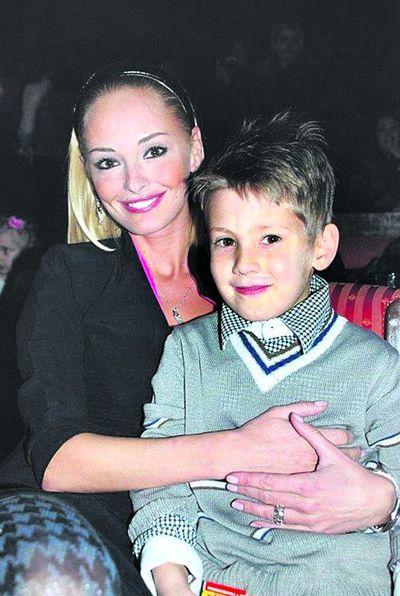 Ксения Кузьменко с восьмилетним сыном Александром