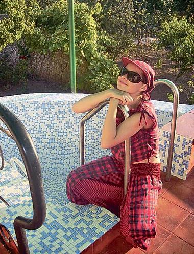 Ксения Симонова приобрела дом с бассейном
