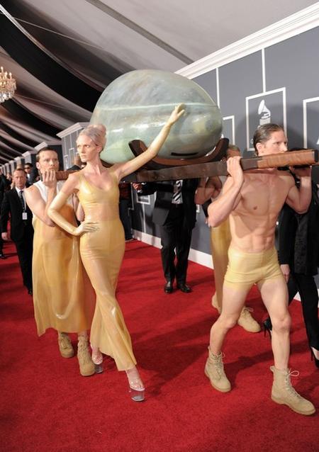 Леди Гага приехала на церемонию вручения премий Grammy